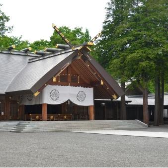 本物にこだわる二人へ…人気の北海道神宮挙式を叶える相談会