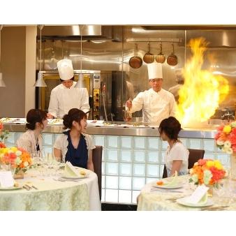 すべて見学可★月一限定開催◆お料理試食&新作ドレス試着フェア