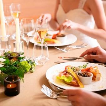 【少人数・家族婚】大切な家族や友人たちと過ごすアットホームW