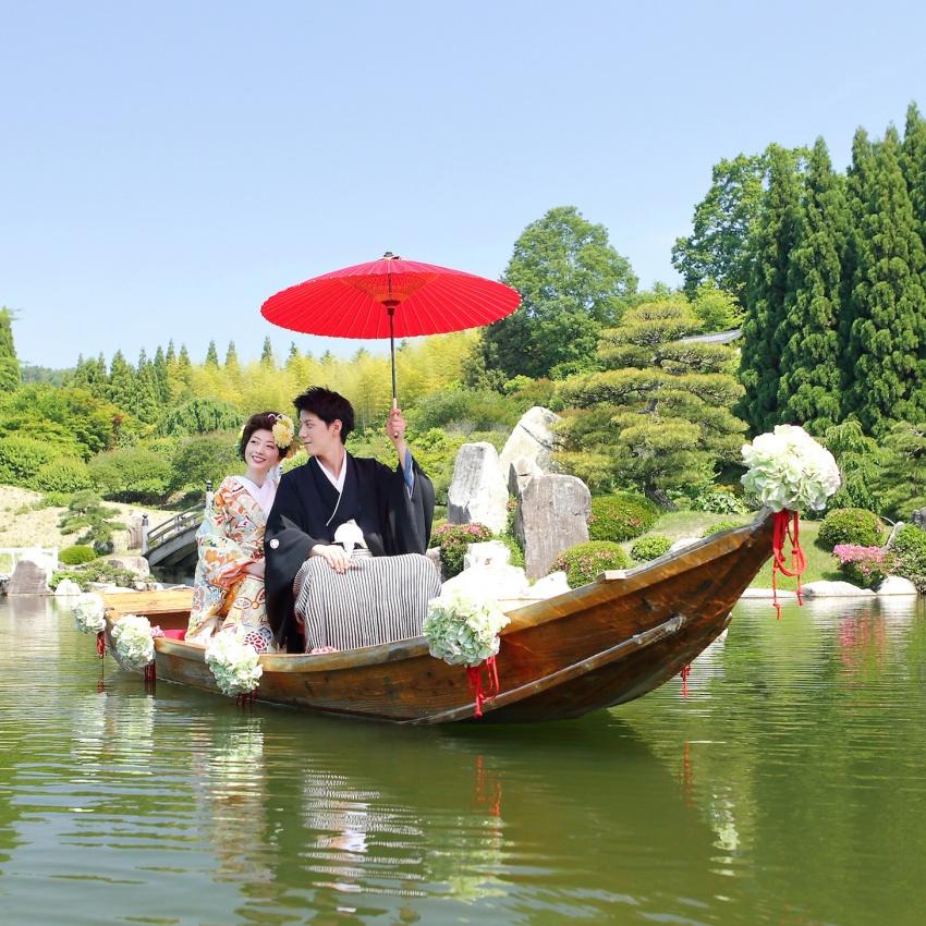 情緒溢れる美しい「花嫁舟」三景園神前式で|リゾート和婚相談会