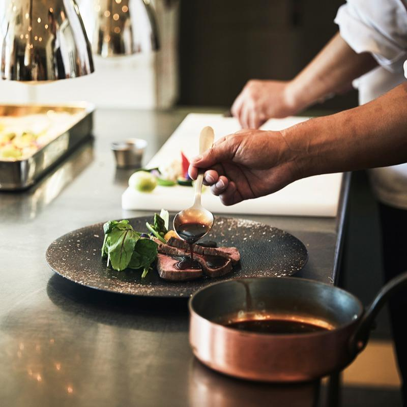 【LIVEキッチン体験】出来立てが美味しい試食&館内見学会